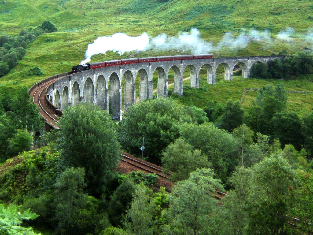 Glenfinnan Viaduct - harry potter